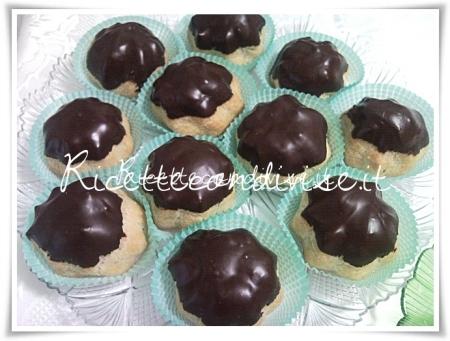 Ricetta bignè con crema al cioccolato di Teresa Mastandrea