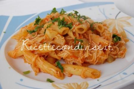 Penne-rosè-con-zucchina-spinosa-e-surimi-450x299