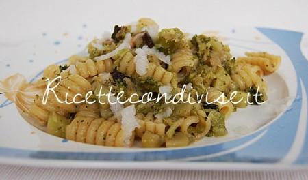 Molle-con-broccoli-daikon-e-funghi-porcini-di-Dany-Ideericette-450x264