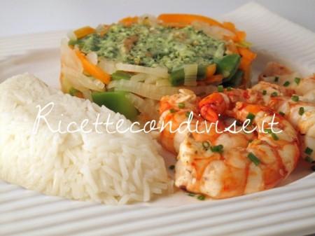 Primo-piano-gamberoni-con-verdure-e-riso-basmati-di-Manlio-Midori-450x337