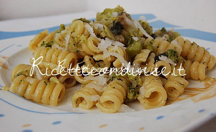 Primo piano molle con broccoli daikon e funghi porcini di Dany - Ideericette