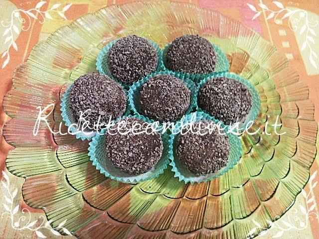 Primo piano tartufi al cioccolato di Teresa Mastandrea