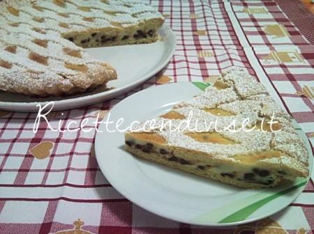 Particolare-crostata-ricotta-e-gocce-di-cioccolato-di-Teresa-Mastandrea-450x336