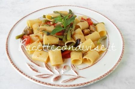Mezze-maniche-con-melanzane-pomodoro-e-fagiolini-di-Dany-Ideericette-450x298