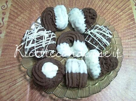 Ricetta Biscotti di pasta frolla montata al cacao di Teresa Mastandrea