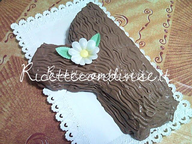 Tronchetto con crema pasticcera e panna di Teresa Mastandrea