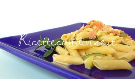 Mezze-penne-con-zucchine-salmone-affumicato-e-crema-di-salmone-di-Dany-Ideericette-450x265