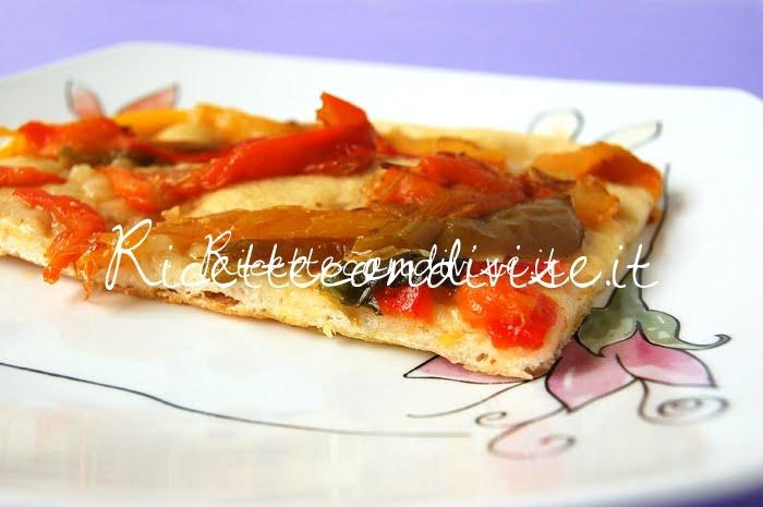 Particolare pizza bianca con i peperoni di Giovanna