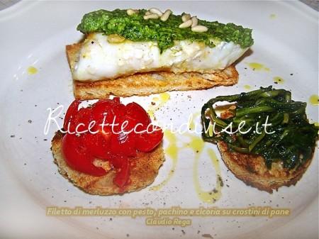 Ricetta Crostini con filetto di merluzzo e pesto, pachino e cicoria su crostini di pane di Claudio Rega