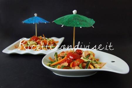 Insalata-di-salmone-con-carote-zucchine-e-ciliegini-semisecchi-di-Dany-Ideericette-450x300