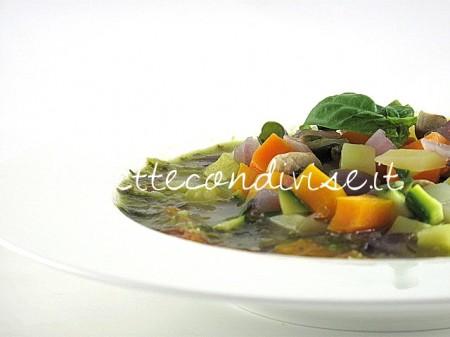 Minestrone-freddo-al-pesto-di-Manlio-Midori-450x337
