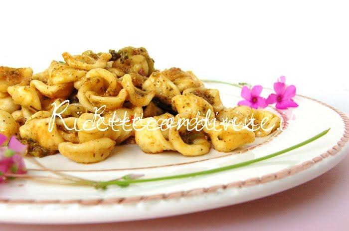 Particolare Orecchiette broccoli e pesto di basilico e pomodorini di Dany - Ideericette