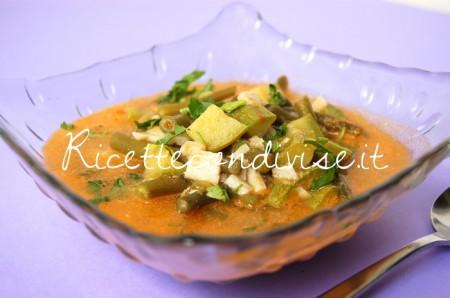 Particolare-zuppa-di-fagiolini-zucchine-e-surimi-in-brodetto-al-sapore-di-granchio-di-Dany-Ideericette-450x298