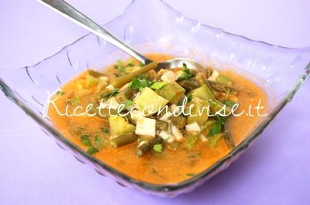 Primo-piano-zuppa-di-fagiolini-zucchine-e-surimi-in-brodetto-al-sapore-di-granchio-di-Dany-Ideericette-450x298