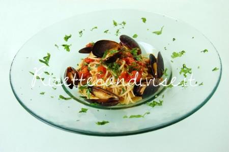 Spaghetti-cozze-e-pomodorini-di-Giovanna-450x298