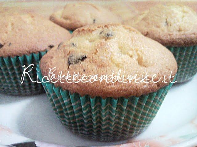 Muffin soffici con gocce di cioccolato di Teresa Mastandrea