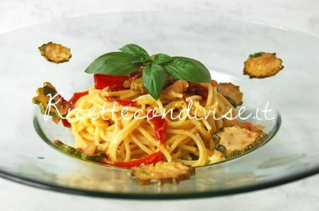 Particolare-Spaghetti-alla-carbonara-di-zucchine-e-peperoni-di-Giovanna-450x298