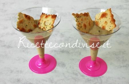 Particolare-crema-di-cetrioli-e-pasta-di-granchio-con-sfoglie-croccanti-al-forno-di-Dany-Ideericette-450x293