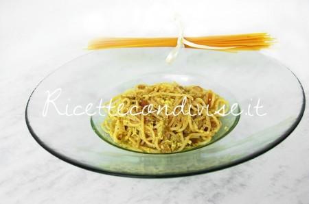 Spaghetti-alla-carbonara-con-crema-di-asparagi-Agromonte-di-Dany-Ideericette-450x298