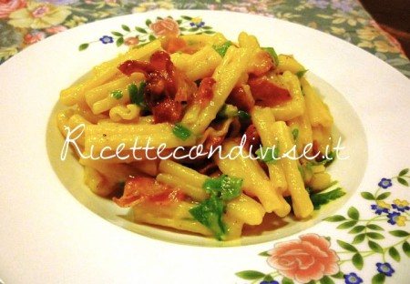 Ricetta Caserecce alla crema di peperoni e pancetta croccante di Sùsì