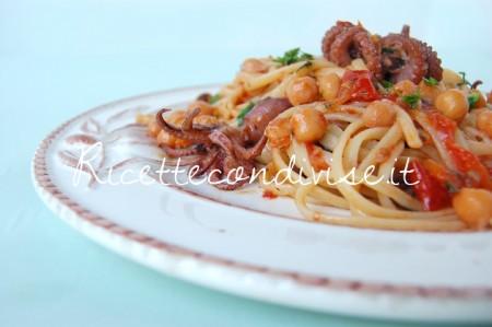 Linguine-ceci-moscardini-e-pomodorini-di-Giovanna-450x299