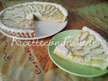 Particolare-fetta-crostata-con-crema-di-mele-di-Teresa-Mastandrea-450x337