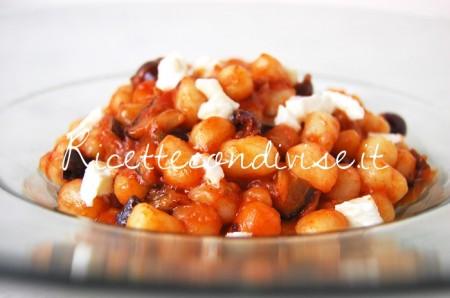 Particolare-gnocchetti-con-melanzane-olive-pomodoro-e-mozzarella-di-Giovanna-450x298