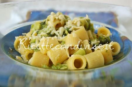 Ricetta Mezzi Rigatoni con broccoli, crema di zucca cinese allo zafferano e scaglie di Cheddar di Dany – Ideericette