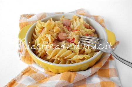 Tortiglie-napoletane-con-verza-wurstel-e-pomodorini-di-Dany-Ideericette-450x298