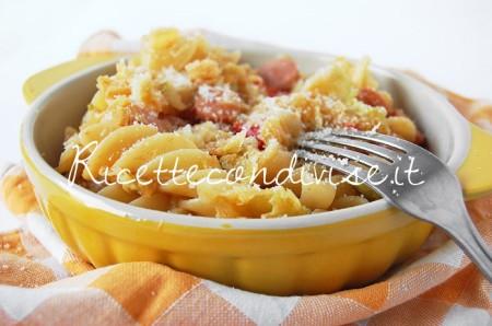 Tortiglie-napoletane-con-verza-wurstel-pomodorini-e-formaggio-di-Dany-Ideericette-450x298