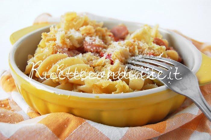 Tortiglie napoletane con verza, wurstel, pomodorini e formaggio di Dany - Ideericette