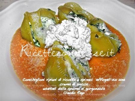 Ricetta Conchiglioni ripieni di ricotta e spinaci su una crema di zucca esaltati dalla spuma al gorgonzola di Claudio Rega