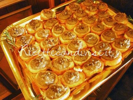 Ricetta Crostini rustici con crema di lenticchie aromatizzati al rosmarino di Susi
