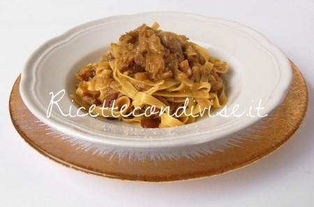 Tagliatelle-porri-e-funghi-porcini-di-Giovanna-450x297