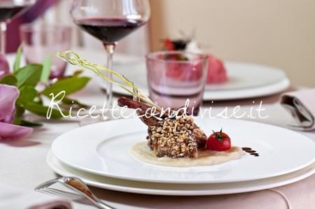 Ricetta Agnello in crosta di pistacchi con purea di carciofi e cialda di mais ai semi di papavero di La corte di bacco di Etruria Resort