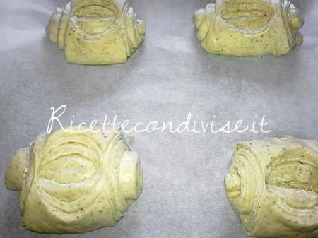 Panini-sfogliati-al-pistacchio-da-infornare-di-Roberta-Vivenzi-450x337
