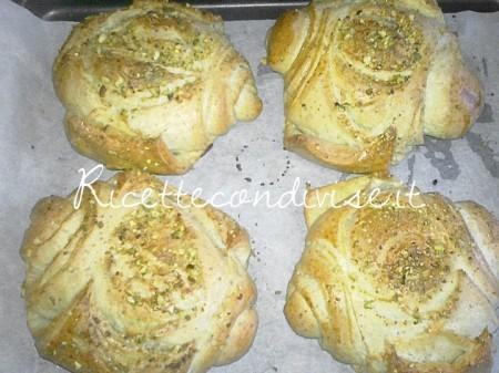 Particolare-panini-sfogliati-al-pistacchio-di-Roberta-Vivenzi-450x337