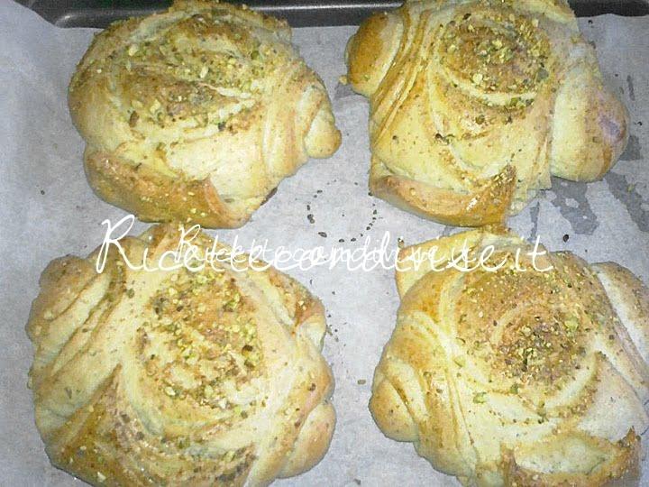 Particolare panini sfogliati al pistacchio di Roberta Vivenzi
