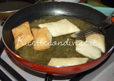Gnocco-fritto-in-frittura-450x319