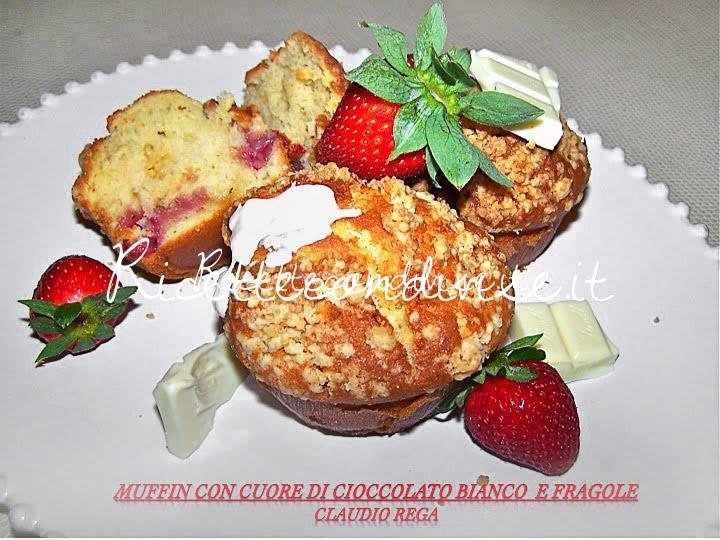 Muffin con cuore di cioccolato bianco e fragole di Claudio Rega