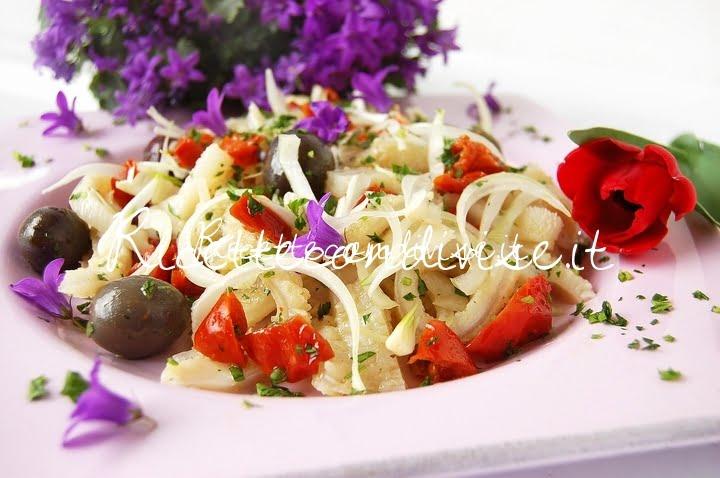 Primo piano insalata floreale di trippa di Dany - Ideericette