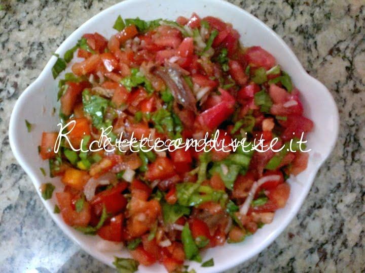 Condimento pomodorini capperi e acciughe per bruschetta di Josianne Emmanuele