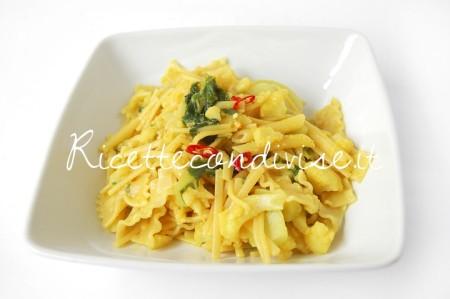 Pasta-con-cavolfiore-e-curcuma-di-Dany-Ideericette-450x299