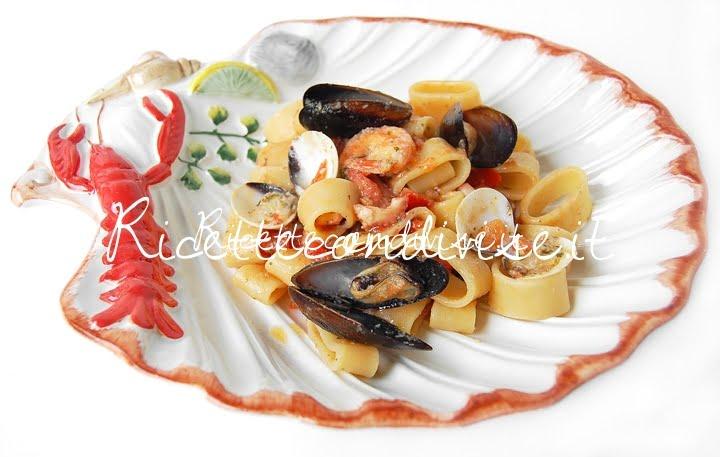 Primo piano calamarata ai frutti di mare di Giovanna