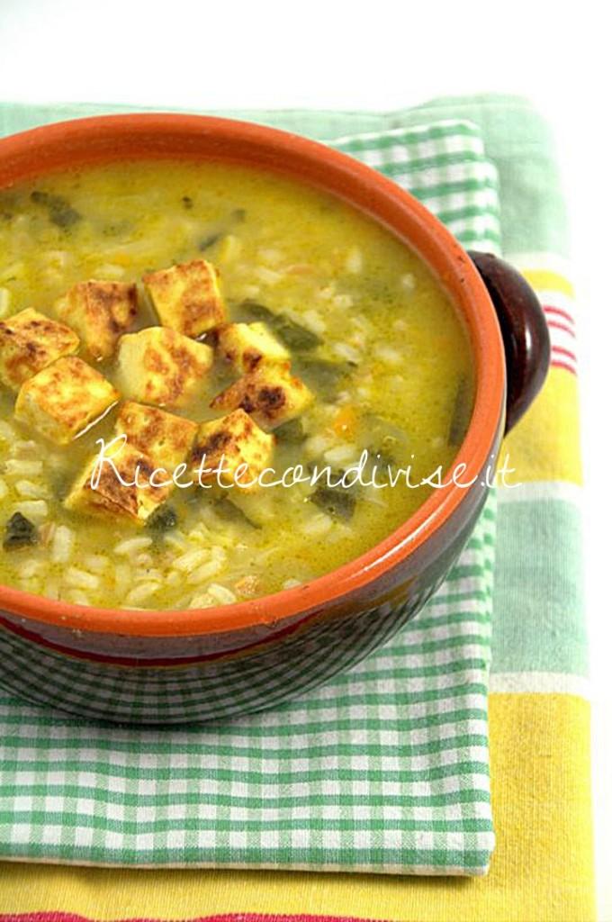 Primo-piano-Minestra-ai-3-cereali-con-tris-di-verdure-patate-e-tofu-di-Viola-Emi-680x1024