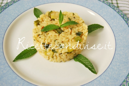 Particolare-risotto-zucchine-e-menta-di-Dany-Ideericette-450x299