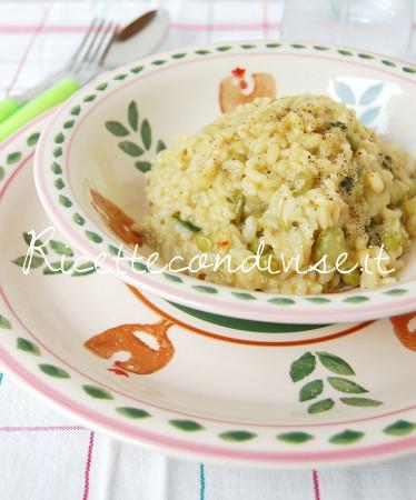 Particolare-risotto-con-piselli-zucchine-e-fior-di-zucca-di-Giovanna-374x450