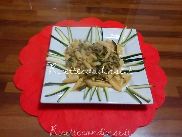 castellane con salsiccie e zucchine