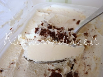 gelato vaniglia e biscotti