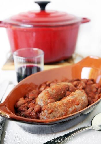Primo-piano-salsiccia-e-fagioli-alluccelletto-di-Giovanna-350x497